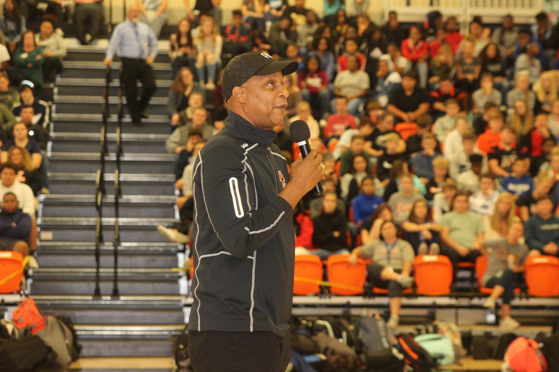 Darryl Strawberry addresses MV student body