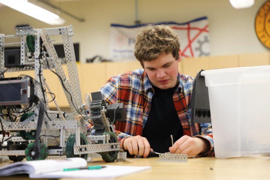 Roborams+compete+at+Vex+Robotics+Competition