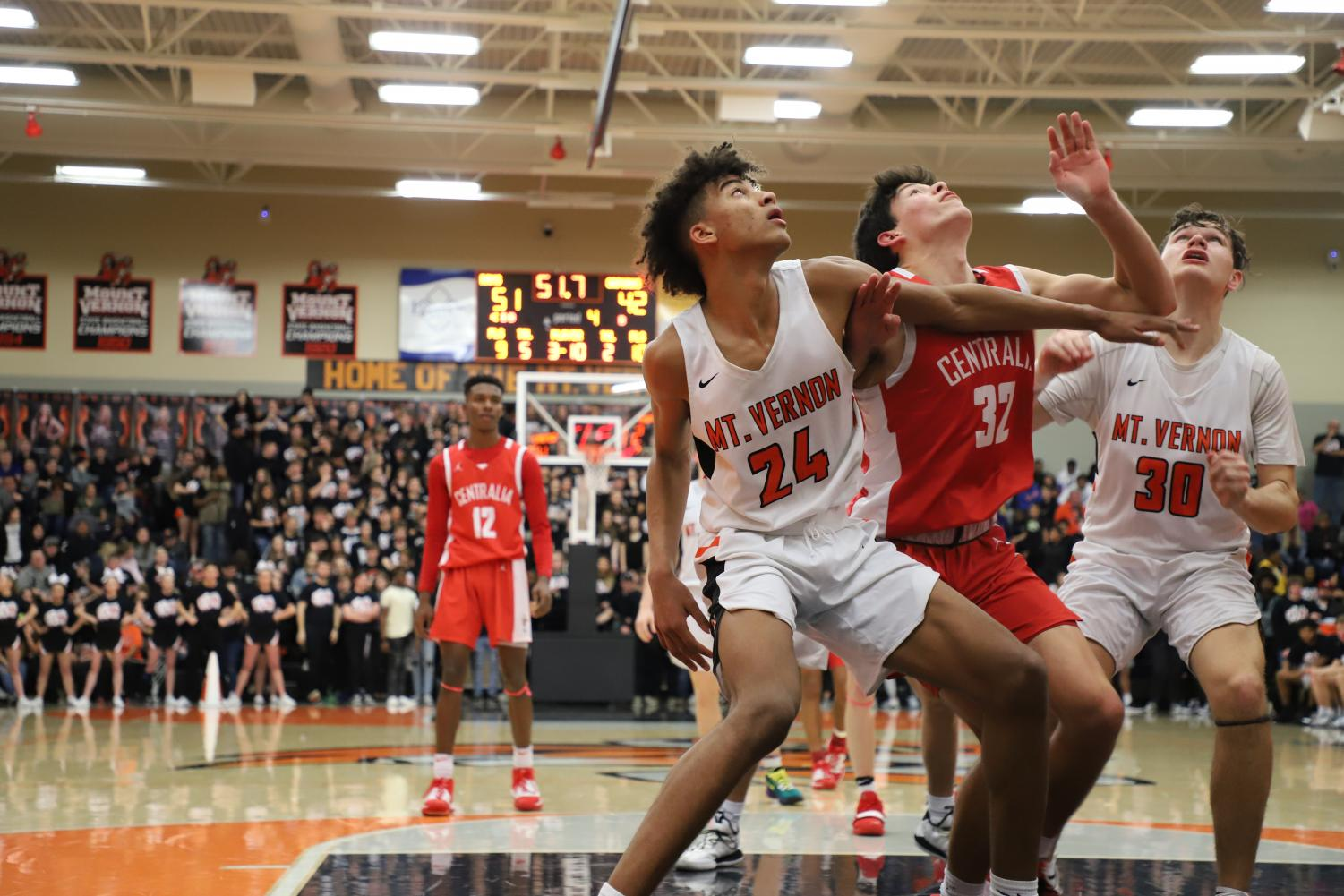 Rams prevail over Orphans in sold-out Changnon